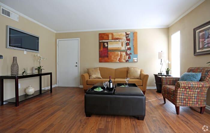 apartamentos houston 77090